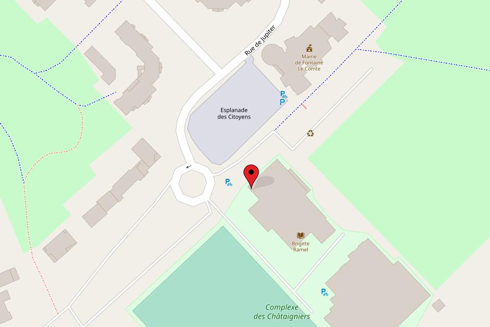 Adresse du club informatique : 12 rue du stade à Fontaine-le-Comte, à 2 pas de la mairie, dans le complexe des Châtaigniers (Image : © Contributeurs de OpenStreetMap
